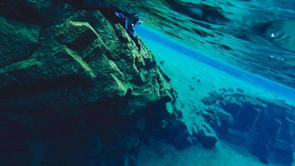 silfra snorkel dive iceland